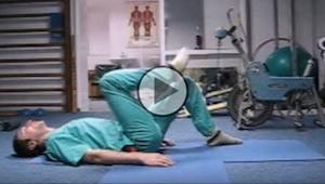 Venäläinen kirurgi näyttää muutaman yksinkertaisen liikkeen, jonka avulla vältät