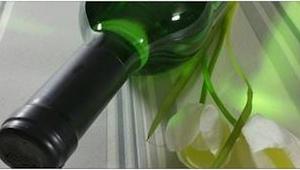 Nähtyäsi, kuinka hän avaa viinipullon, yllättyt siitä että et itse ole aiemmin k