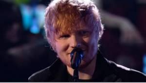 Kun vaatimaton ja tapaansa ominaisesti ujosti hymyilevä Ed Sheeran ilmestyi lava