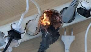 Palokunnan kiireellinen varoitus - älä käytä jatkojohtoa näin!