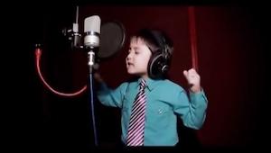 Neljävuotias laulaa Whitney Houstonin suurimman hitin! Sinun tulee nähdä tämä!