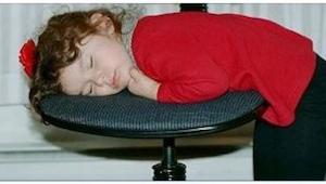 Nämä ovat seuraukset kun lapsen antaa mennä myöhään nukkumaan - tämä sinun täyty