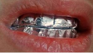 Levitä alumiinifoliota hampaisiin ja odota tunti. Vaikutus yllättää!