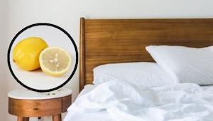 Selvitä, mitä tapahtuu, kun laitat sitruunanpuolikkaan sängyn viereen