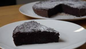 Herkullinen suklaakakku ilman jauhoja tai voita - vain kaksi yksinkertaista aine